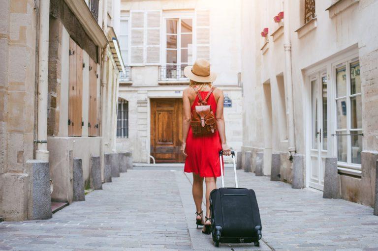 Comment faire une réservation d'hébergement pour un voyage?